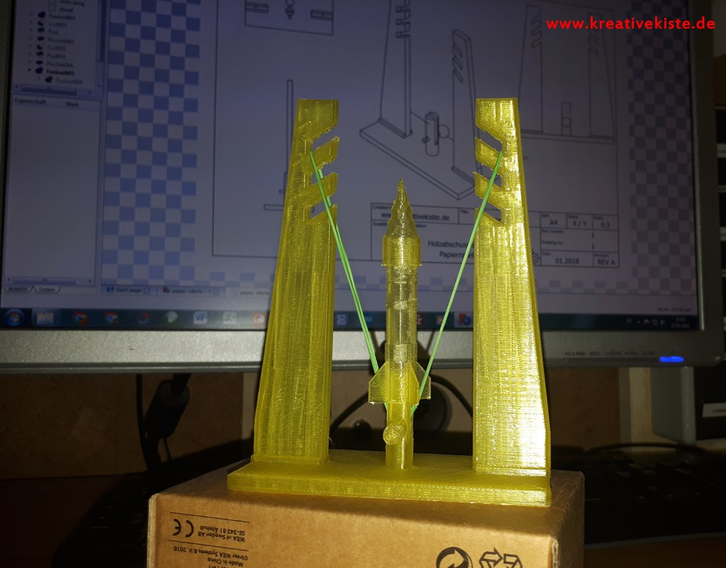 Papierrakete Mit Holzstartrampe