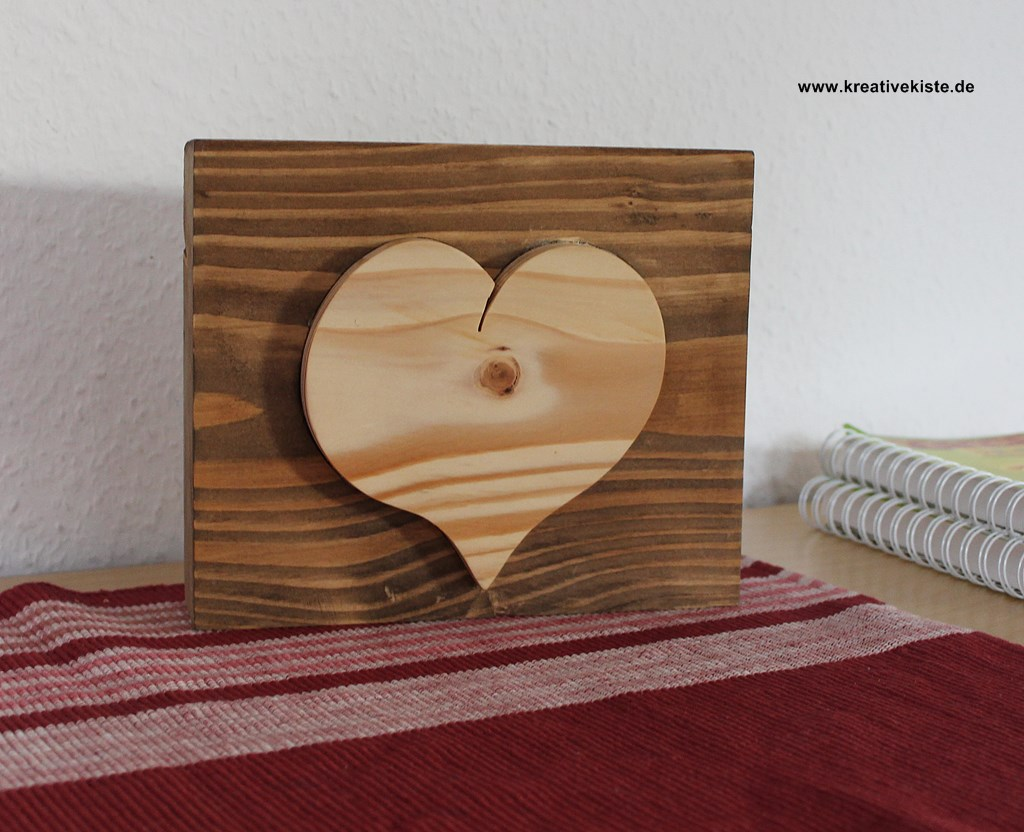 holz herzen. Black Bedroom Furniture Sets. Home Design Ideas