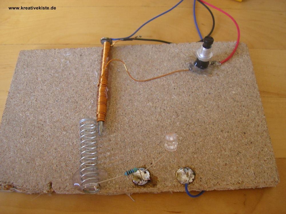 elektromagnet und relais selber bauen. Black Bedroom Furniture Sets. Home Design Ideas