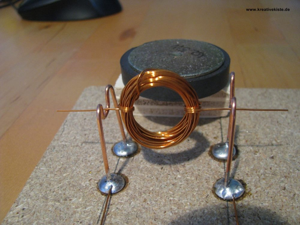 Kleinen Motor aus Kupferdraht selber wickeln