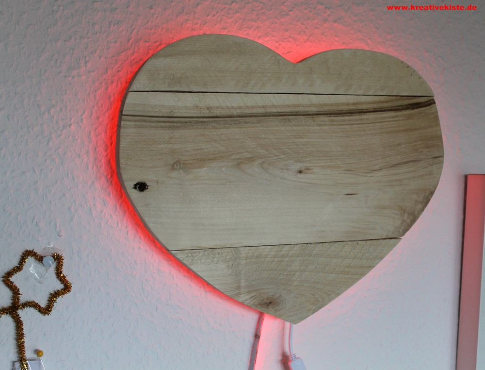 upcycling led holz lampe. Black Bedroom Furniture Sets. Home Design Ideas