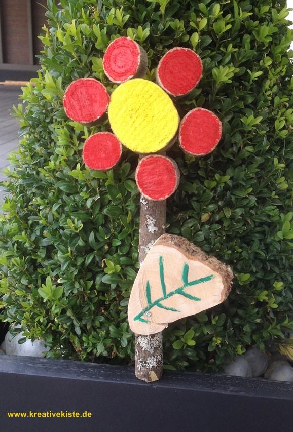 Holz blume - Basteln mit baumscheiben ...